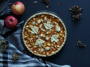 Crostata di nocciole e mele (con farina di farro)