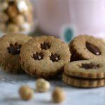 Biscotti alle nocciole ripieni